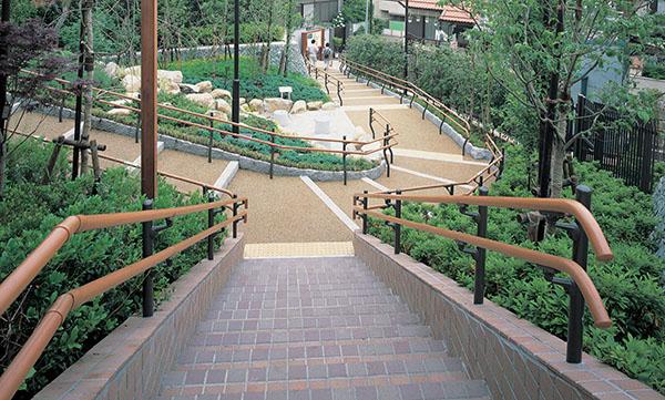 文京区立大塚坂下町公園1
