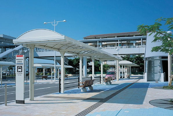 沖縄都市モノレール赤嶺駅前2