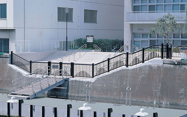 神田川和泉防災船着場1