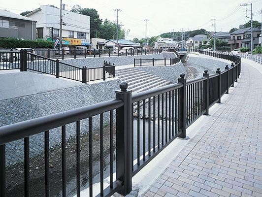 横浜市阿久和川1