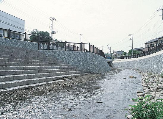 横浜市阿久和川2