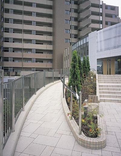 パインズマンション成田1