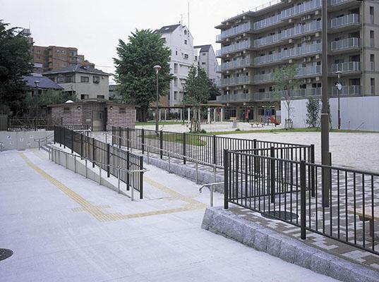亀島小学校跡地公園1
