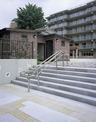 亀島小学校跡地公園3