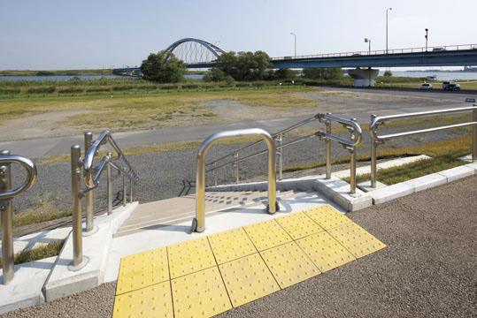 木曽三川公園 長良川高水敷河岸2