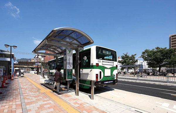 神戸市営地下鉄・JR 新長田駅 駅前広場2