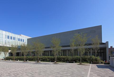 秋田県立美術館1