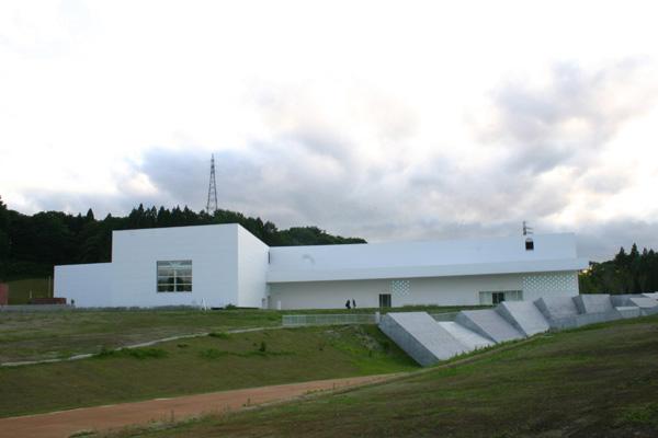 青森県立美術館2
