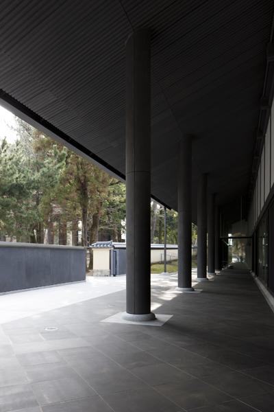 東大寺総合文化センター1
