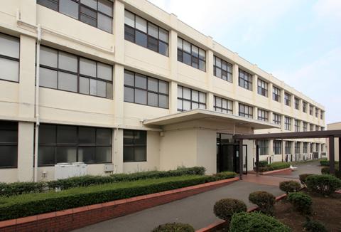 関東短期大学2号館1