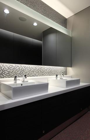 東京建物八重洲ビル 商業トイレ3