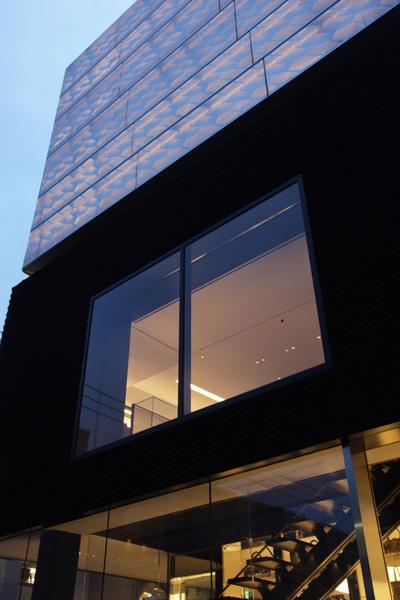 Marc Jacobs 青山店2