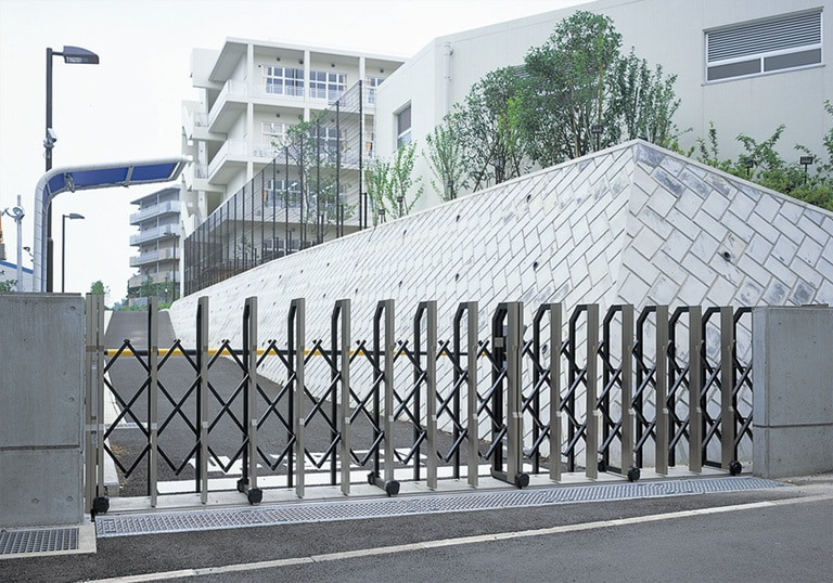 八千代市立萱田南小学校・生涯学習施設2
