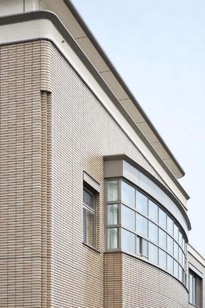 創価学会 新潟東文化会館1