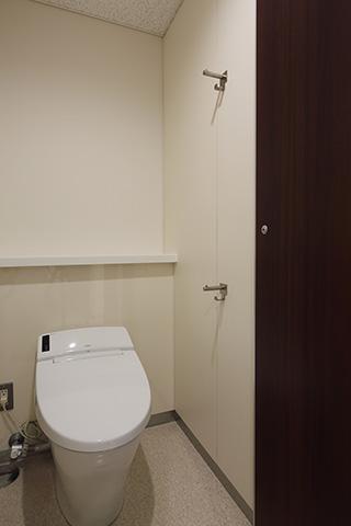東京大学本郷キャンパス 中央食堂 女子トイレ5