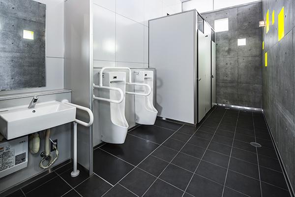 甲府駅南口駅前広場公衆トイレ1