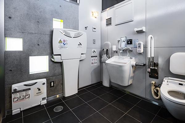 甲府駅南口駅前広場公衆トイレ4