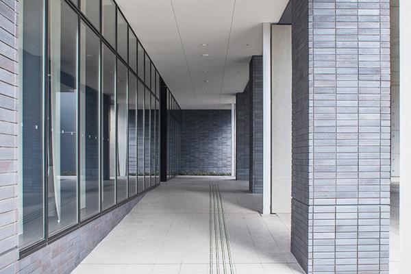 広島県医師会館・広島がん高精度放射線治療センター3