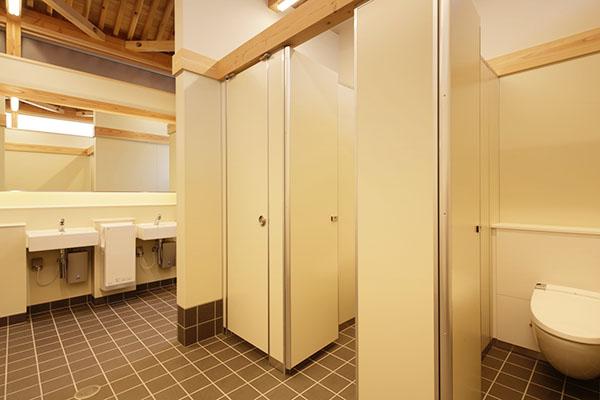 嘉右衛門町伝統的建造物群保存地区拠点施設屋外トイレ4