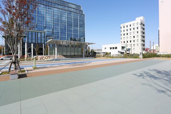 金沢駅前西口広場1