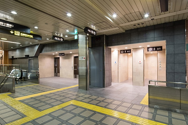 大阪市営地下鉄心斎橋駅1