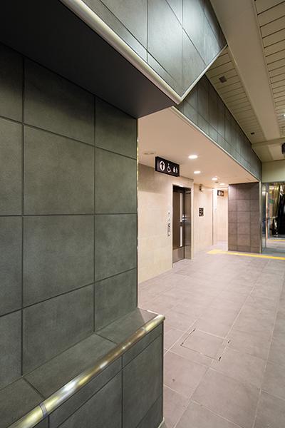 大阪市営地下鉄心斎橋駅2