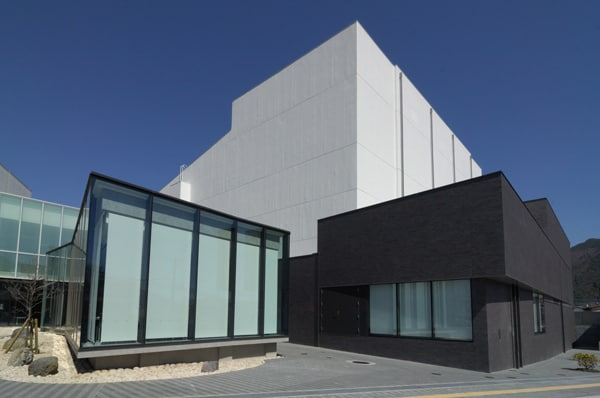 富士五湖文化センター・富士吉田市民会館・富士吉田市立図書館3