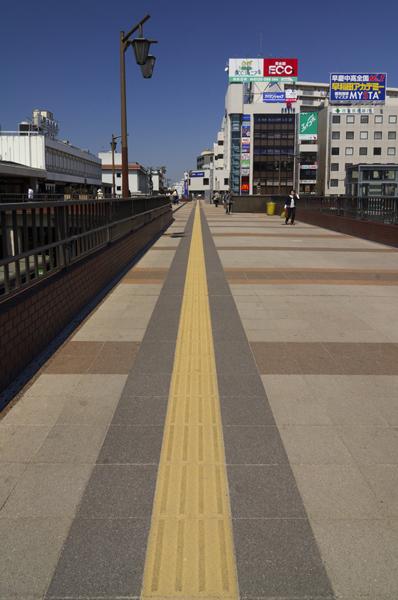 JR津田沼駅北口ペデストリアンデッキ1