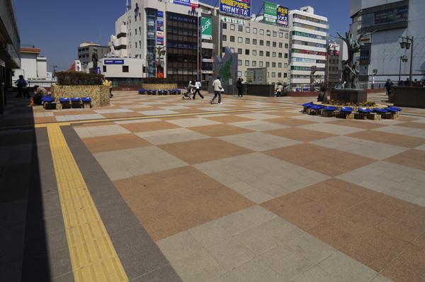 JR津田沼駅北口ペデストリアンデッキ2