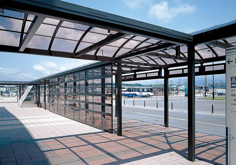 JR秋田駅東口駅前広場3