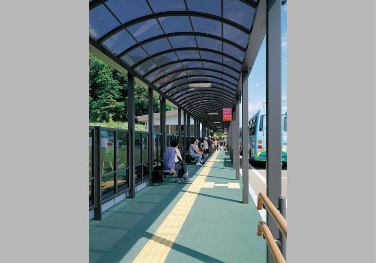 春日市ふれあい文化センター バスセンター3